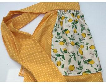 Retro half apron in lemon print