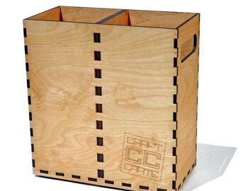 Classic Craft Crate: stackable wooden beer growler carrier with fingerjoints