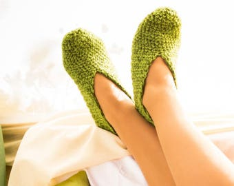 green color slipper, indoor clothing, crochet shoes, crochet slippers, simple slippers, casual slipper, house women shoes, spring shoe