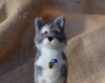 Needle felted wolf of winterfell,grey wolf handmade direwolf