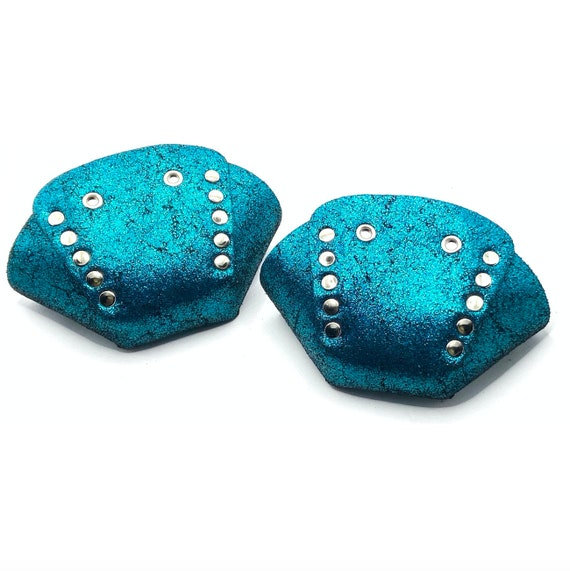 Butterfly Toe Caps Pool Blue on Thick Suede
