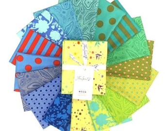Fat Quarter Bundle - Starling - Tula TRUE - 16 pc. per bundle - Tula Pink - FB2FQTP.STARLING- Fabric