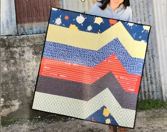 Smidge Quilt Pattern by Running Doe Quilts from Villa Rosa Designs - Uses Fat Quarters