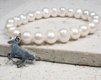 Horse Charm Pearl Bracelet
