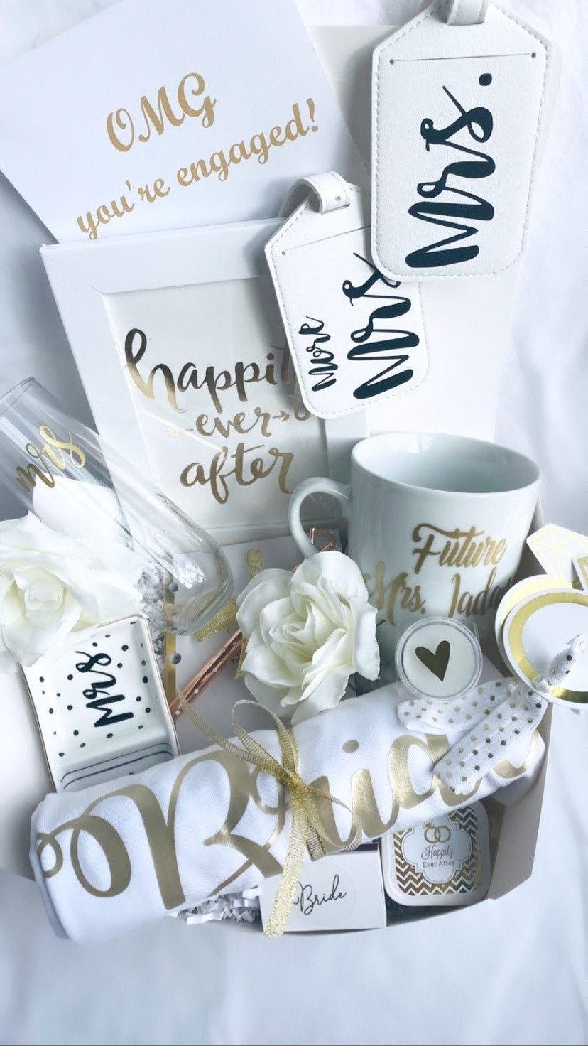 Wedding planning set Bride gift Bride gift box Bridal shower Engagement gift box Bridal shower gift Bride to be gift Engagement gift
