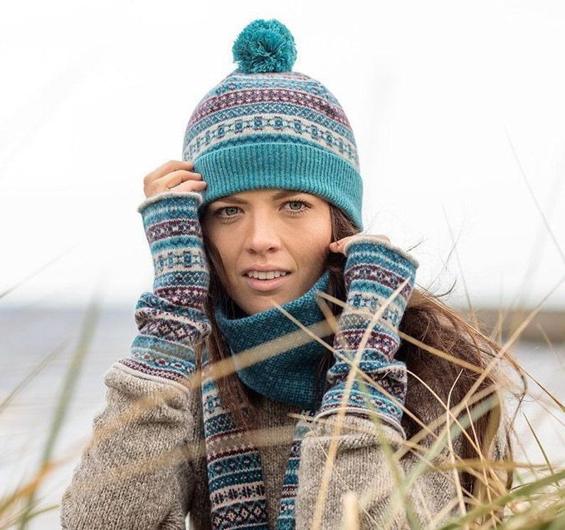 3143b390af426 4 colours  Fair isle Scottish lambswool ski hat. pom pom