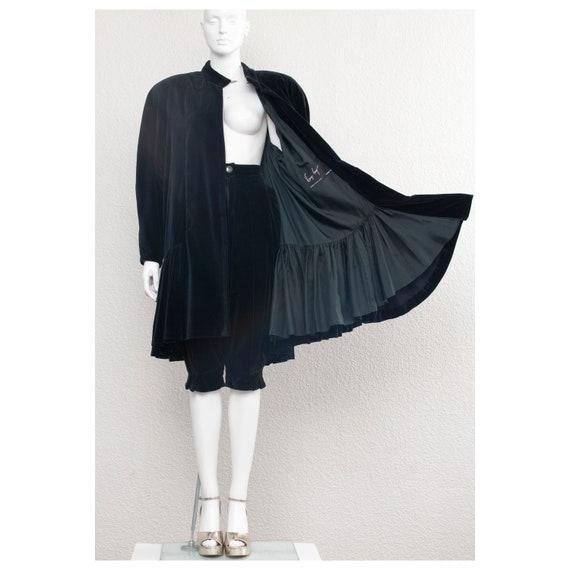 Rare vintage 1970s black velvet oversized cape FON