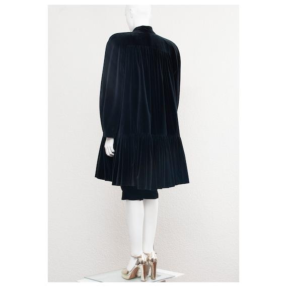 Rare vintage 1970s black velvet oversized cape FO… - image 6