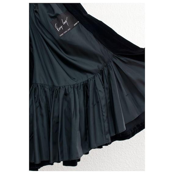 Rare vintage 1970s black velvet oversized cape FO… - image 3
