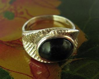 Sterling Silver Onyx set Stylish Leaf Ring