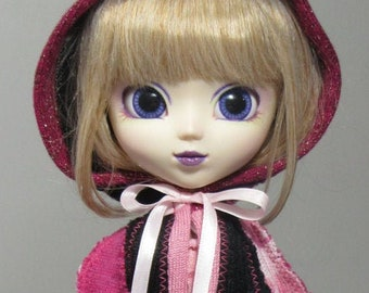 Pullip capelet in pink and black