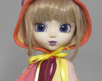 Pullip capelet in bold sunset colors