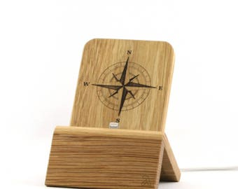 iPhone Dock (Oak - Edition Compass Rose) for iPhones and Android Phones with/without cases (Lighthing, Micro-USB, USB-C) - Oak