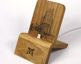 iPhone Dock (Oak - Elbphilharmonie V2) for iPhones 5/5S/6/6S/Plus/SE/7 with/without cases / Lightning Dock