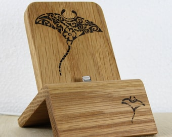 iPhone Dock (Oak - Manta ray design) for iPhones 5/5S/6/6S/Plus/SE/7 with/without cases / Lightning Dock