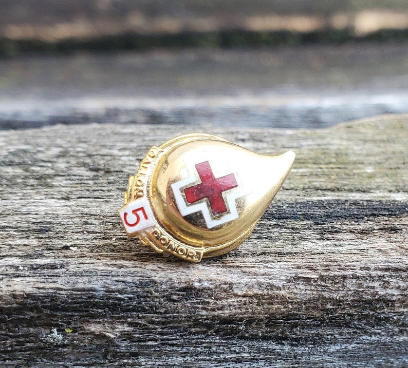 Red Cross Pin Unique Collectable Vintage Blood Donor Tie Tack 5 Gallon