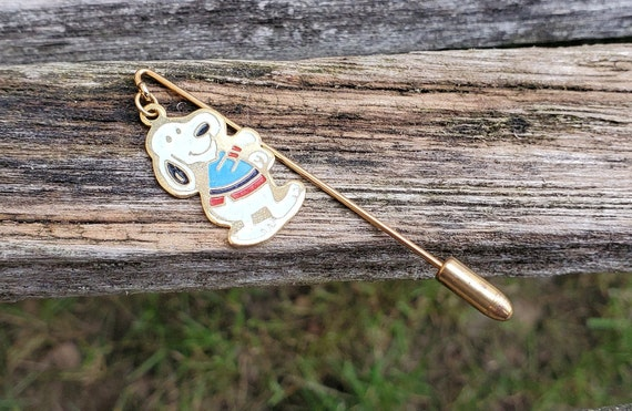 Vintage Snoopy Pin. Baseball. Anniversary, Christm