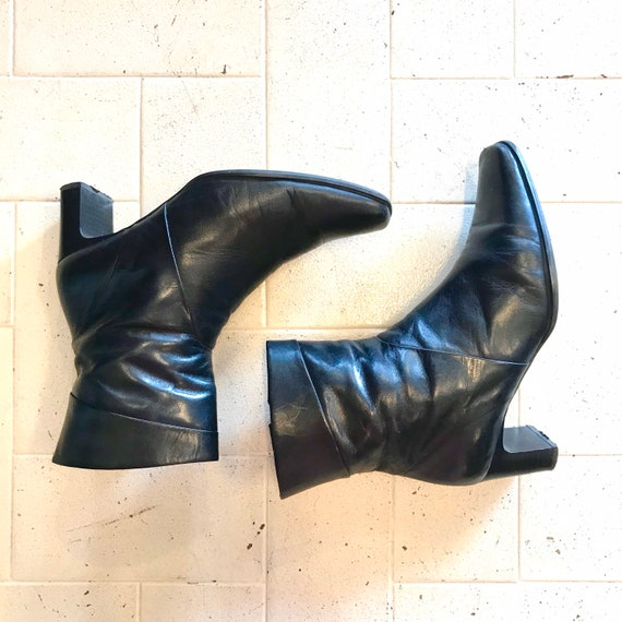 Leather Ankle Boots w/ chunky square heel / 1990s