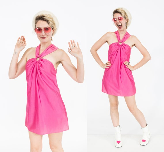 Go-Go Barbie / 1960s Keyhole Mod Mini Dress / Hot