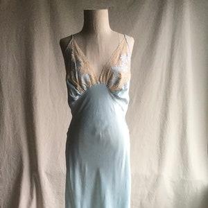 Vintage Blue Slip Chemise ~ 1960/'s Harvey Woods Lacy Blue Nylon Tricot Full Slip ~ VLV ~ Pin Up Girl ~ Hollywood ~