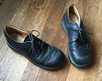vintage 90s doc martens 8604 black leather wing tips made in england womens lace up shoe size uk 5 / US 7
