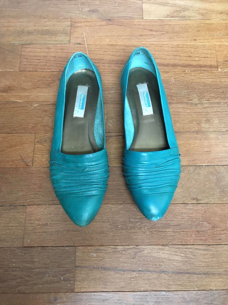 068d8287aaf9b vintage 80s partners by mervyns taylor teal slip on loafers made in brazil  womens shoe size 7 1/2 M