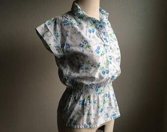 vintage peplum elastic waist pullover short sleeve collar blue flowers floral blouse made in hong kong