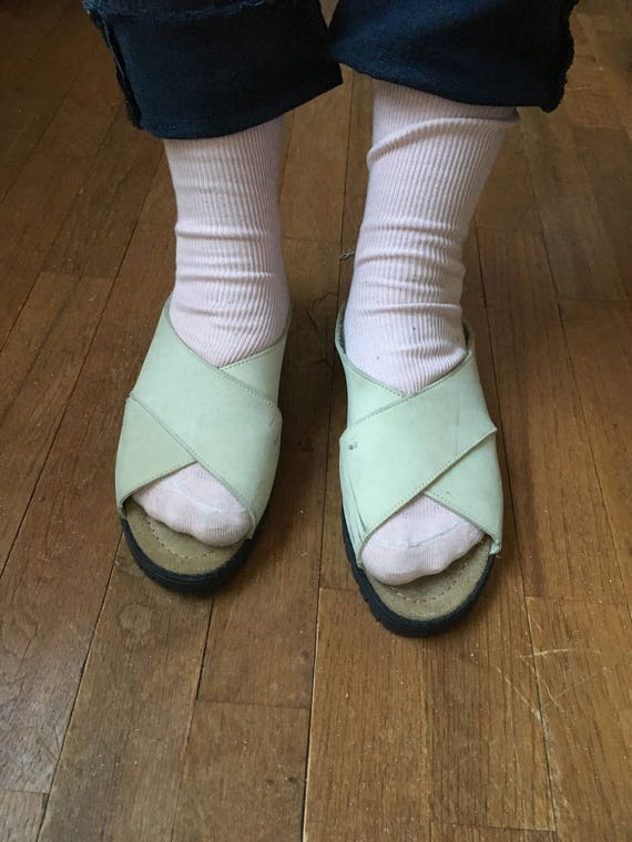 00be1f6b375f4 vintage 90s trader bay womens slip on pale green leather crossover sandals  made in italy womens shoe size 8 M