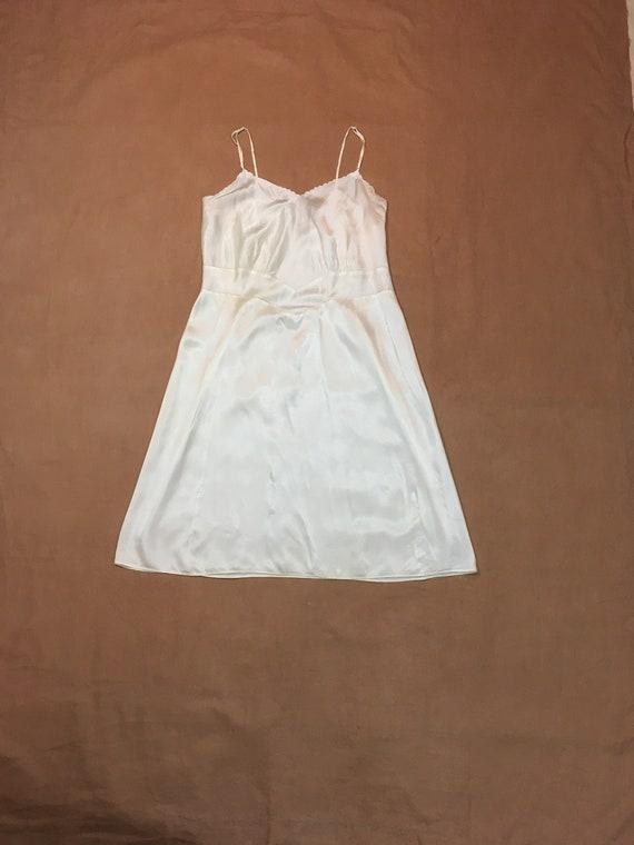 vintage 40s Laros dimensional slip scalloped whit… - image 1