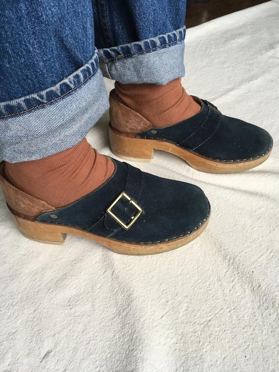 vintage 70s multnomah wooden clogs blue suede shoe