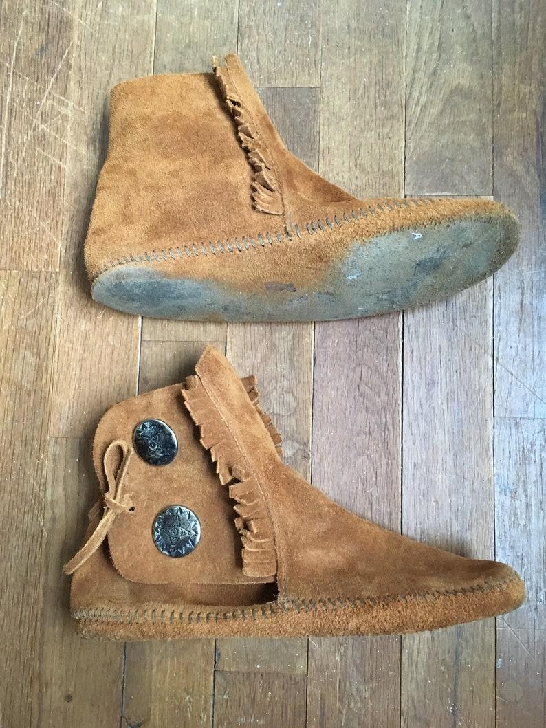 87ecc43846ac5 vintage minnetonka 432 suede fringe 2 button soft sole moccasin bootie  ankle boot womens shoe size 8
