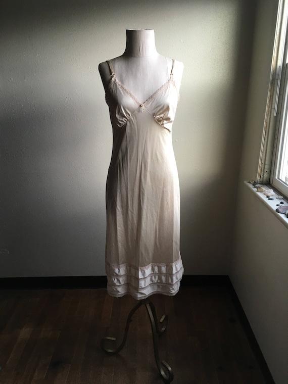 Vintage des années 80 sears roebuck womens pâle nylon rose dentelle sangle réglable en v anti glissement s'accrochent