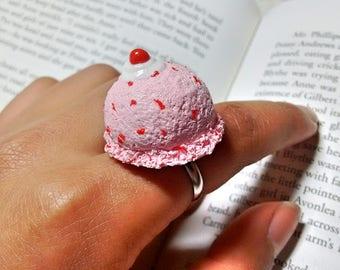Strawberry ice cream scoop necklace/ Kawaii ice cream necklace/ Handmade polymer clay strawberry ice cream necklace