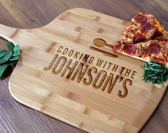 Personalized Pizza Peel, Custom Pizza Peel, Engraved Wood Pizza Peel, Housewarming Gifts, Christmas Gifts, Pizza Lovers  --PZ-WOOD-Cookin