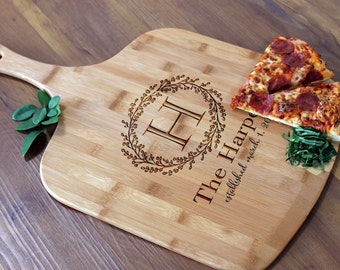 Personalized Pizza Peel, Custom Pizza Peel, Engraved Wood Pizza Peel, Housewarming Gifts, Christmas Gifts, Pizza Lovers  --PZ-WOOD-Harpers