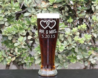 Groomsman Gift, Personalized Beer Glasses, Personalized Glass, Custom Engraved Beer Glasses, Engraved Pilsner Glasses,  --GLS-PILSNER-Mr&Mrs
