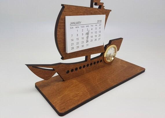 Calendrier de bureau en bois de bateau avec horloge calendrier de
