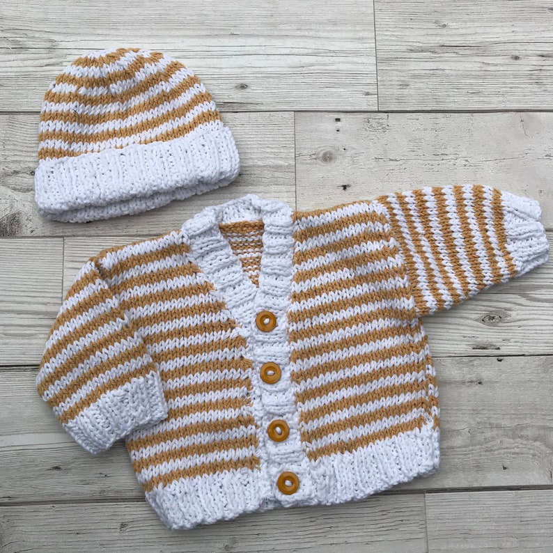 SALE! Hand knitted baby cardigan to fit a premature baby. Baby sweater. Cotton baby cardigan. Choice of design baby clothes. Baby gift.