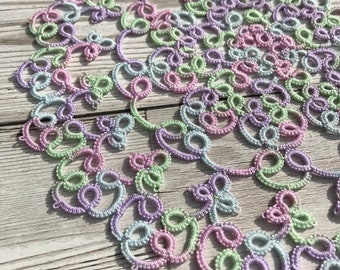 Tatted lace doily. Tatted lace napkin. Tatted mat. Tatted lace mat. Tatting. Lace doily. Lace mat