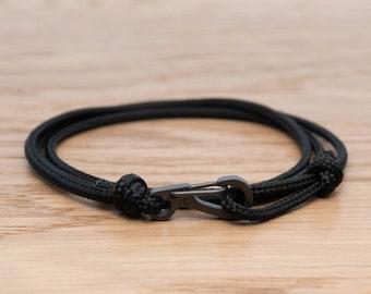 Jet Black Rope Bracelet, Carabiner Clip Wrap Bracelet, Nautical Style Rope, Mens Bracelet, Minimalist, Climbing Bracelet, PGUK