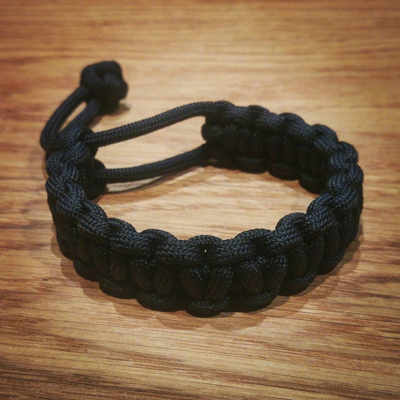handmade EDC everyday carry Mad Max paracord bracelet Black