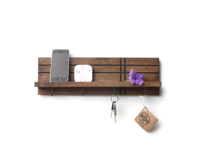 Modern Shelf (with Hooks)