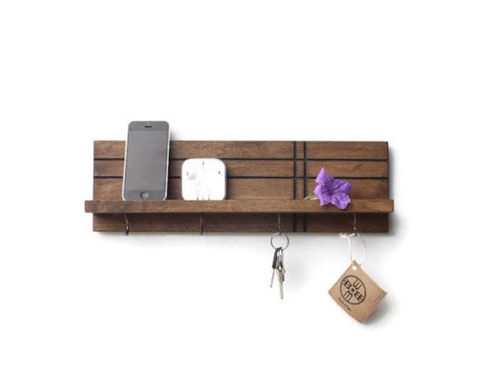 Modern Shelf (with Hooks)