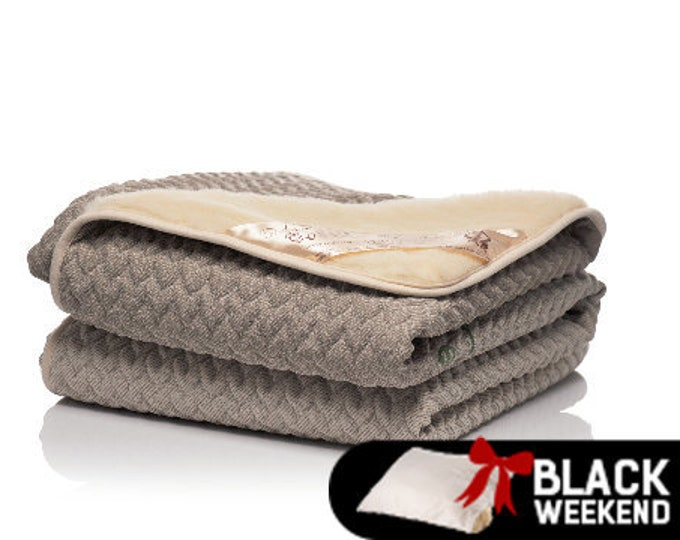 Hemp Blanket, Wool Filled Blanket, Winter Blanket, Baby Blanket, Cotton Sateen Bed Cover, Quilted Bedspread, Wool Bedding, Wedding Gift