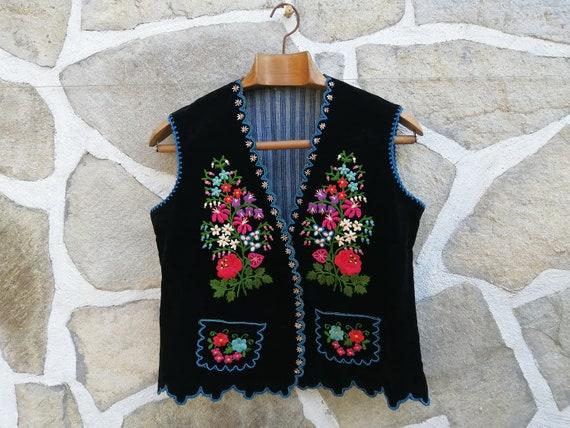 Vintage embroidered velvet vest women's vest of fo