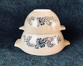 Vintage Pyrex Homestead Cinderella Mixing Bowls, Set of 2