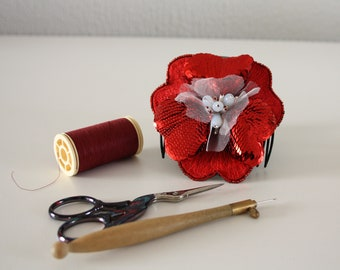 Handmade embroidered red flower on a hair comb / sequins / hair accessory / gift