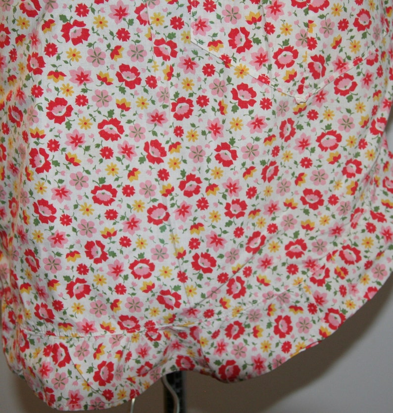 Red floral print on white back ground Free US Shipping Vintage Apron