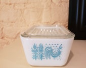 Pyrex Turquoise Butterprint Medium Refrigerator Dish with Lid