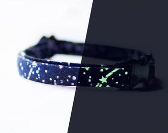 Collier chat étoiles phosphorescentes